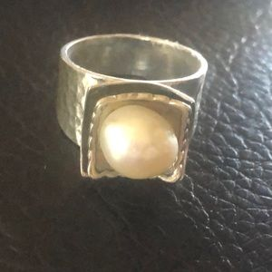 Gorgeous New Silpada Pearl Ring